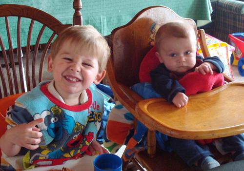 Max&SamEating