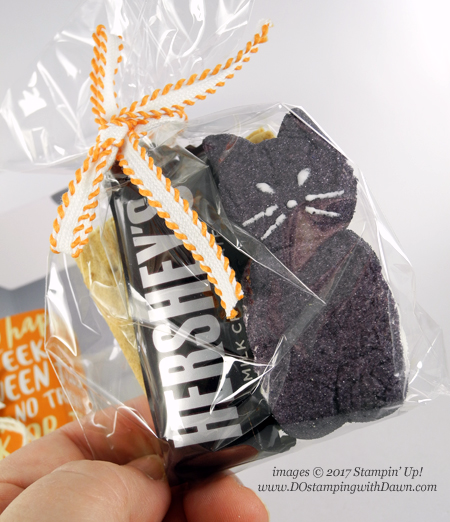 Stampin' Up! S'more Kitty Mini Pizza Box wtih Spooky Cat Bundle shared by Dawn Olchefske #dostamping  #stampinup #handmade #stamping #diy #spookycat #halloween #treatortreat #packaging #minipizzabox